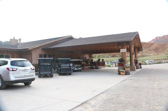 Red Cliffs Lodge: Accoglienza