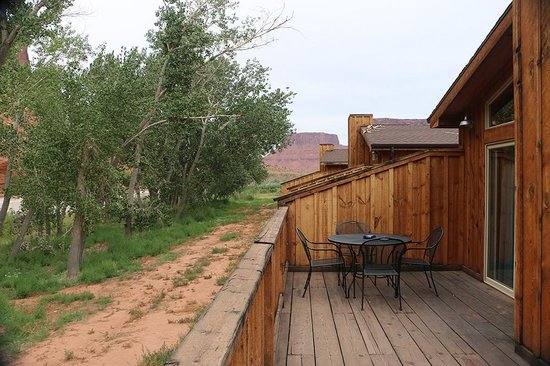 Red Cliffs Lodge: Terrazza lodge
