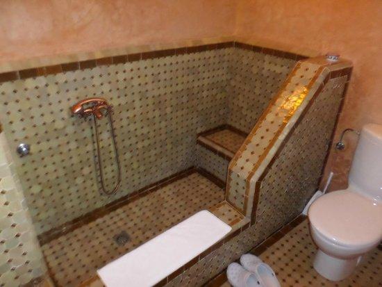 Riad Ahlam : Bath