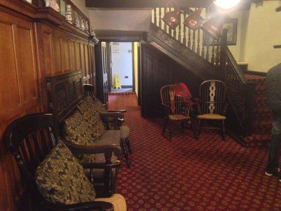 White Lion Royal Hotel: Lobby area