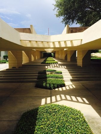 Florida Southern College : The Esplanades