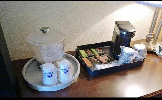Baymont Inn & Suites Normal Bloomington: Room Amenities