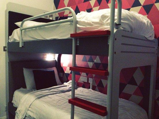 Cityroomz Edinburgh : Cabin bunk beds
