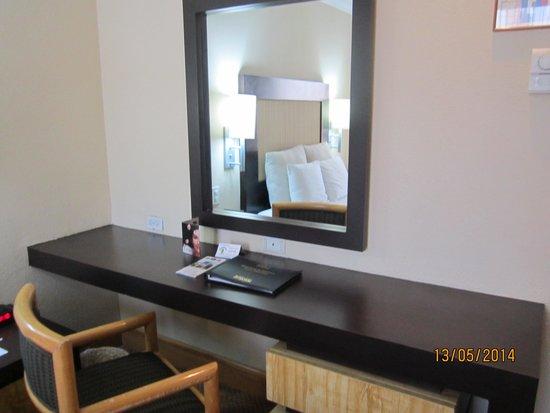 Hotel Royal Reforma: Cama de la habitacion del hotel