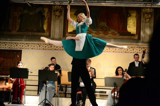 Wiener Royal Orchester : dancers