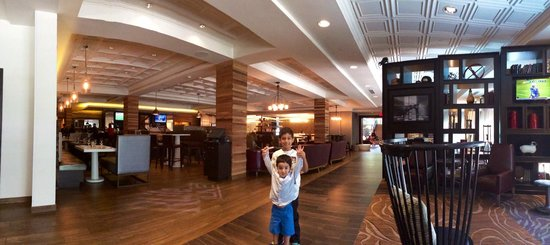 Renaissance Westchester Hotel : Behind the front desk, by the restaurant area