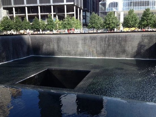 National September 11 Memorial und Museum: 911 Memorial Fountains