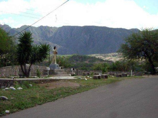 Cuyo, อาร์เจนตินา: Plazoleta de la misericordia, Olta, sierras de los llanos riojanos