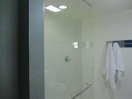 Residence Inn Denver Cherry Creek: huge shower