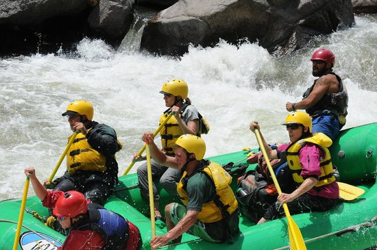 Wilderness Aware Rafting: Expert guiding by Zack through the Royal Gorge with WA