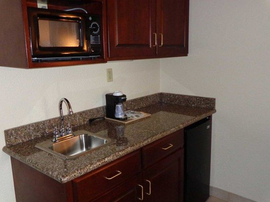Holiday Inn Express New Buffalo: king kitchenette room