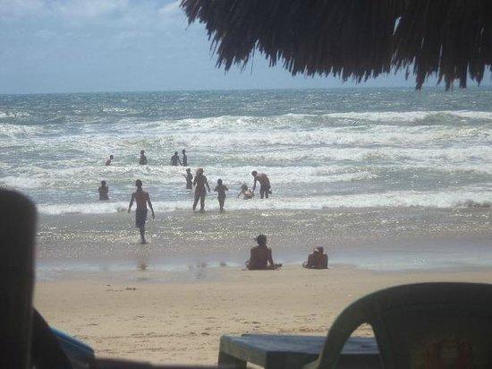 Praia de Futuro : Sombra e vento fresco é na Praia do Futuro
