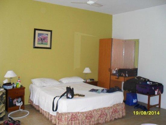 BEST WESTERN Hexagon International Hotel, Villas & Spa : bed
