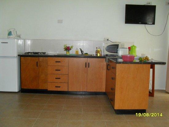 BEST WESTERN Hexagon International Hotel, Villas & Spa : kitchen area
