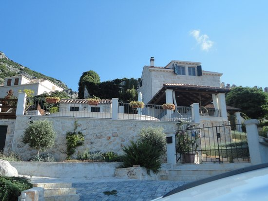 Viganj, Croatia: First view of the villa