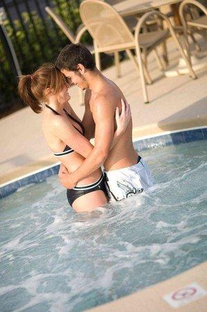Holiday Inn Hotel & Conference Center: Valdosta, GA Holiday Inn's Whirlpool
