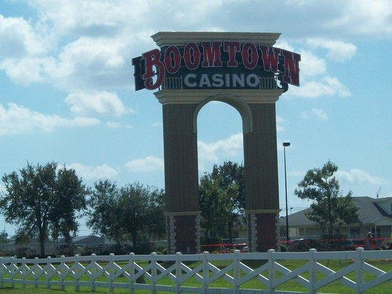 Holiday Inn Express Harvey - Marrero: Boomtown Casino 5 miles from hotel.