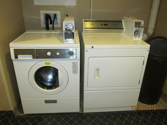 Holiday Inn Express Hotel and Suites Richland: Laundry Facility