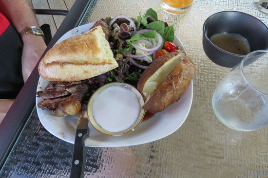 Chez Dupont and The Stone Soup Cafe: Steak