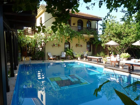 Mandarin & Mango Boutique Hotels : Pool area