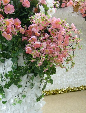 Holiday Inn Express Hotel & Suites Winchester: Beautiful Apple Blossoms-Grand Feature Parade
