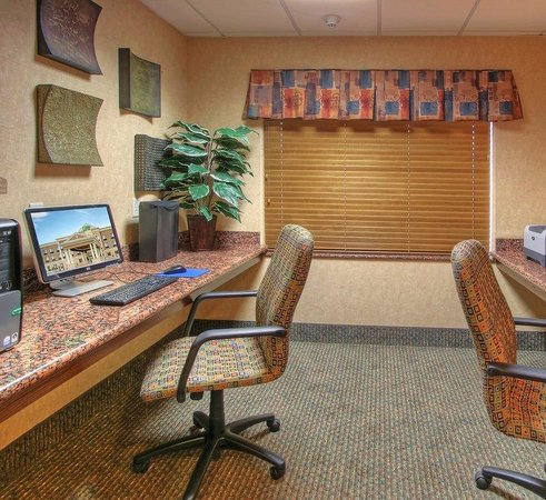 Holiday Inn Express Hotel & Suites Las Vegas : Business Center
