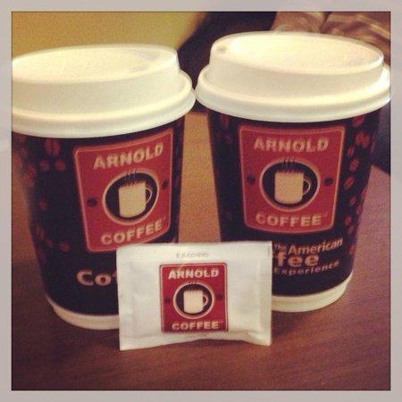 Arnold Coffee: BUONO!! Locale carino su diversi piani, molto bello per ritrovarsi con amici/amiche sorseggiand