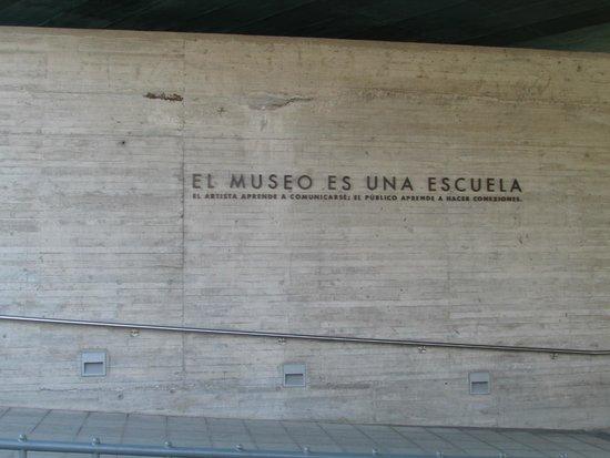 """Museo de la Memoria y los Derechos Humanos (Museum der Erinnerung und der Menschenrechte): """"El Museo es una Escuela"""""""