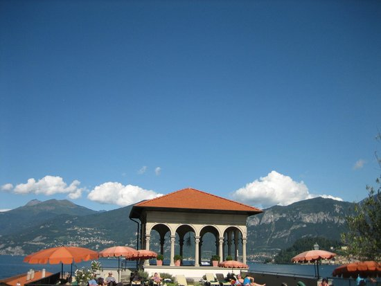 Grand Hotel Cadenabbia: The gazebo at the end of the lounge deck.