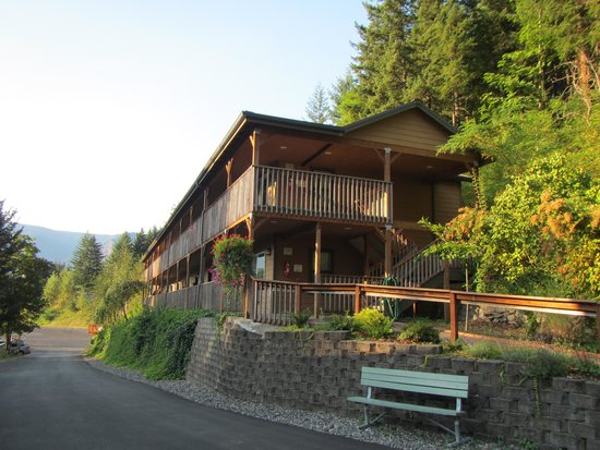 Carson Hot Springs Golf & Spa Resort : one of several buildings on the property