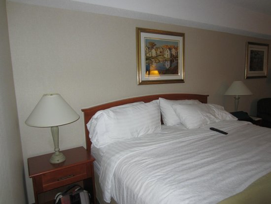 Holiday Inn Halifax Harbourview : King bed