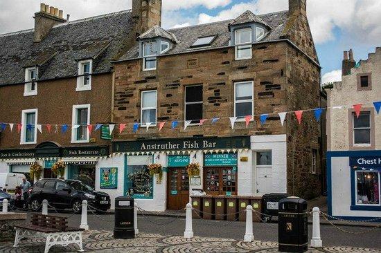 Anstruther Fish Bar: The restaurant along the main drive