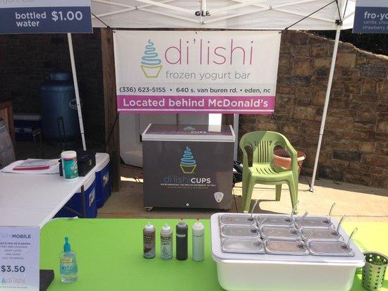 Di'lishi frozen yogurt bar: outdoor catering
