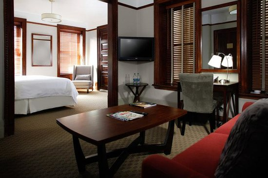 Hotel Wales: Carnegie King Suite With Living Area