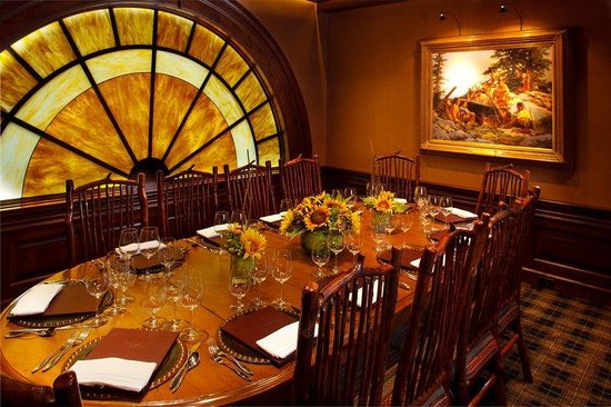 Rusty Parrot Lodge and Spa: Conference Dining