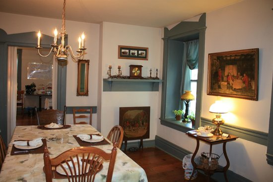 Stone Manse Inn: Dining Room