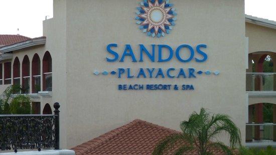 Sandos Playacar Beach Resort : Desde la calle