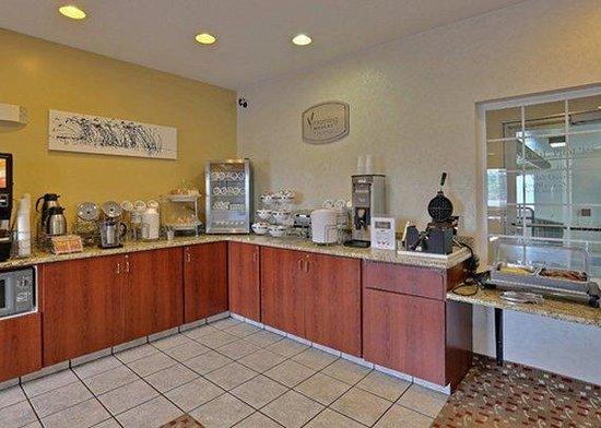 Sleep Inn & Suites, Green Bay Airport: WBreakfast