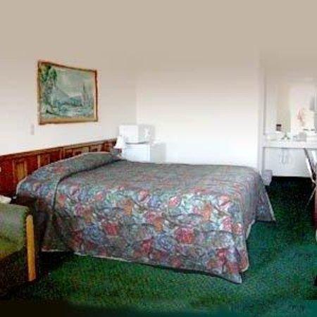 High Desert Motel: Guest Room