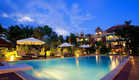 La Tradition D'Angkor Boutique Resort: Outdoor Swimming Pool