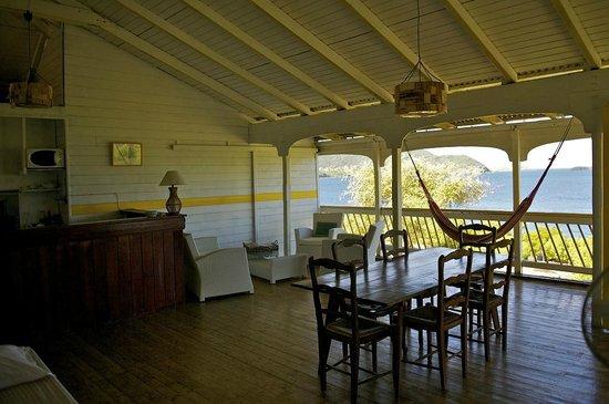 salon terrasse Maison Joli Bois - Picture of Boone Vacances, Terre ...