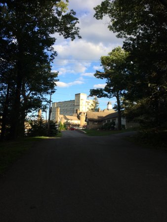 Pocono Manor Resort & Spa: Took a little hike