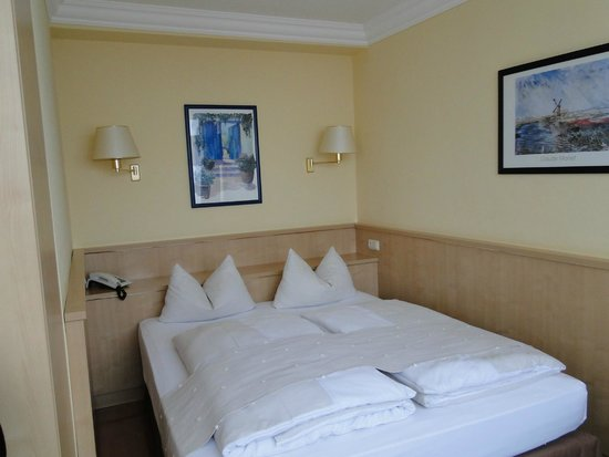 Hotel Royal: Habitación