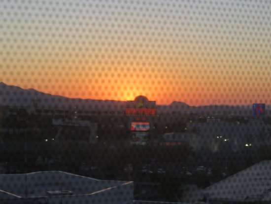 Tropicana Las Vegas - A DoubleTree by Hilton Hotel: Sunrise from our room