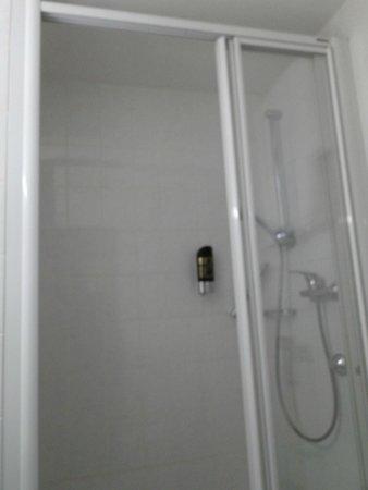 Hotel Royal: Baño