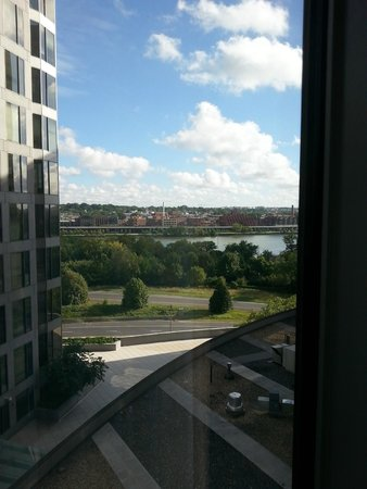 Le Meridien Arlington: View from room over river