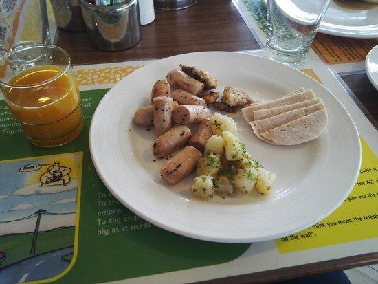 Lemon Tree Hotel, Dehradun: Breakfast!!