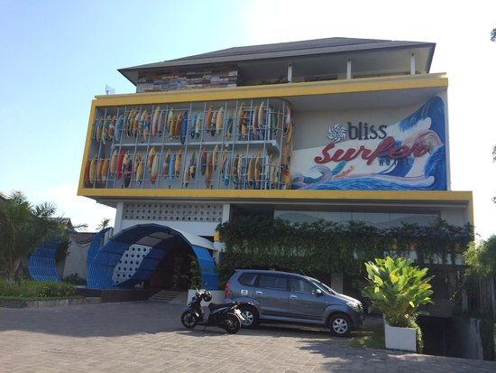 Bliss Surfer Hotel: Façade