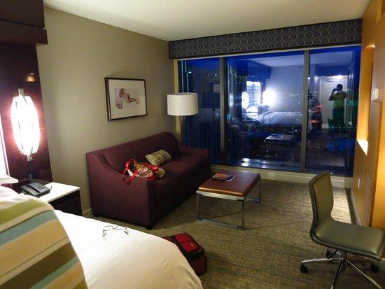 Elara by Hilton Grand Vacations : Studio Room facing the Airport