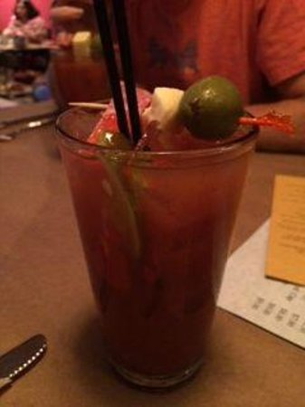 Phil's Bar & Grille: Fantastic Bloody Mary